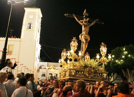 La fiesta del Cristo de Dalías destaca por la elevada presencia del fuego.